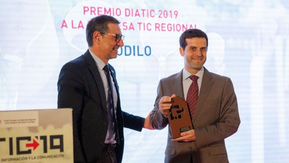 ODILO recieves award as regional ICT company of the year during the DIATIC event